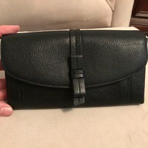 Kate spade wallet. Super cute. Hard to find.